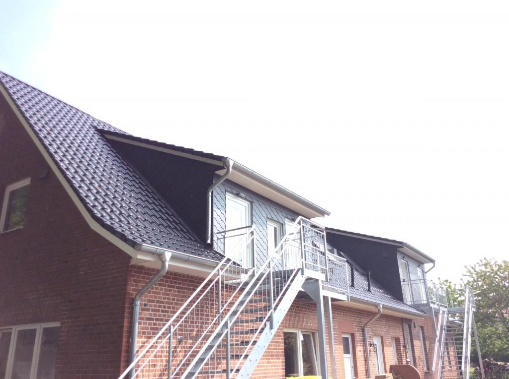 Nach erfolgreicher Sanierung sind 4 Singlewohnungen entstanden die jeweils einen seperaten Zugang über eine Außentreppe erhalten haben.